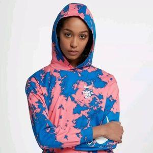 Women's size medium Nike Dress shirt NWT